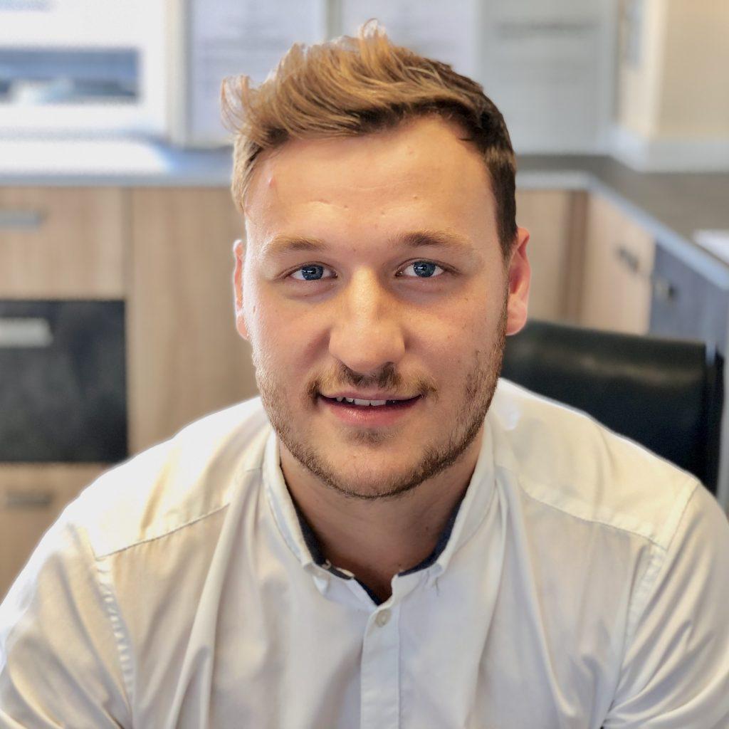 Daniel Ambros, Verkauf